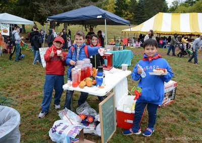 IHM Students help raise funds for their school.